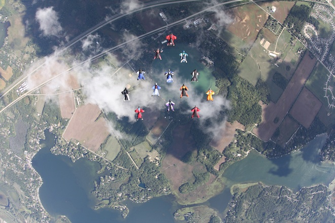 Skydivers smash state record for wingsuit formation