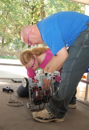 Teens find niche building competition robots