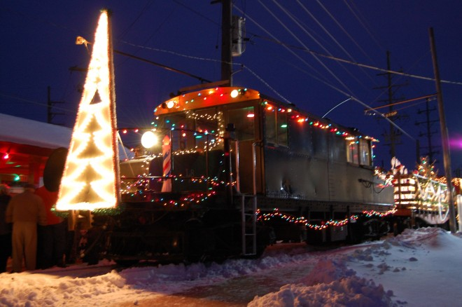 Santa Train commemorates 40th anniversary of beloved East Troy tradition