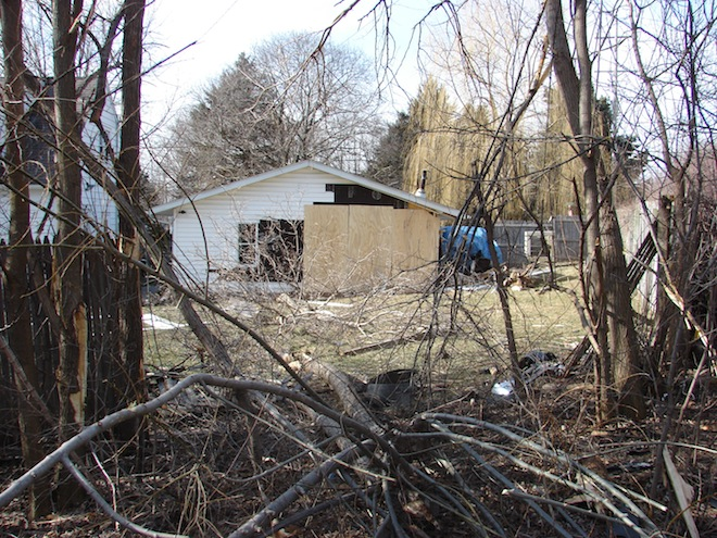 Garage damaged in Sugar Creek accident