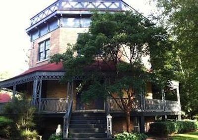 Octagon house awakens county's rich history