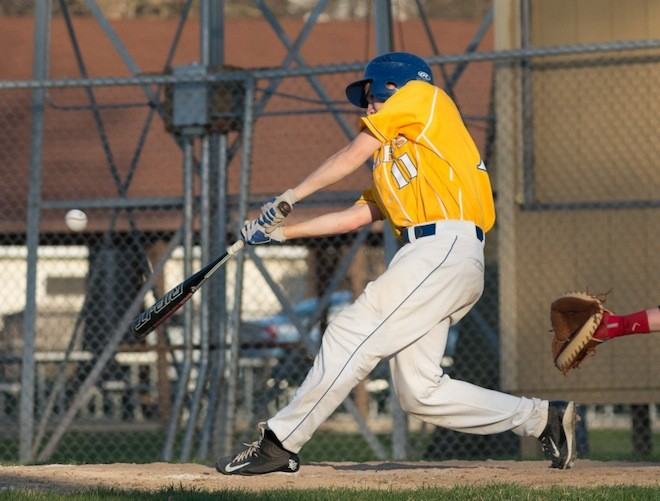 Baseball boosts record from 0-2 to 4-3