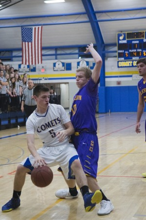 Boys lose to Muskego, beat Elkhorn