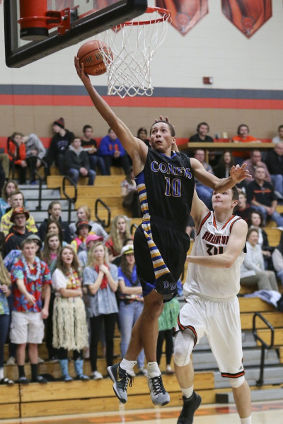 Boys lose to Fort Atkinson in first round of playoffs