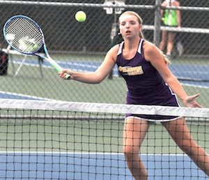 Richardson leads tennis girls