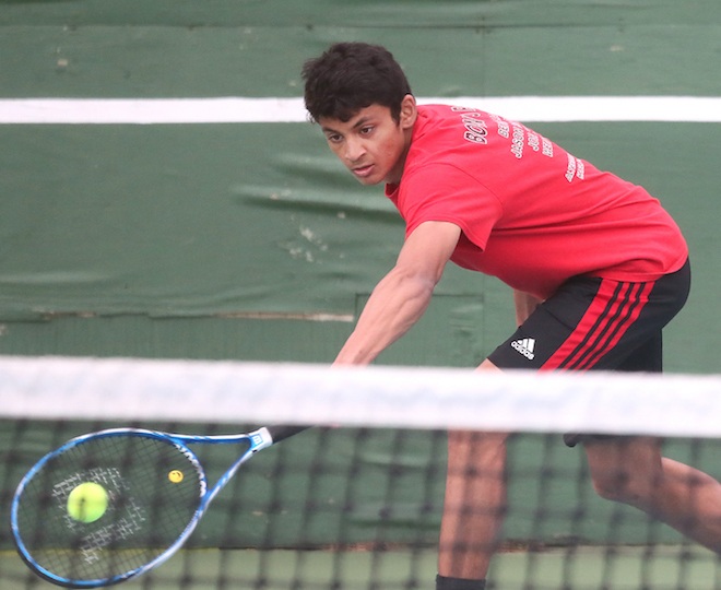 Whippets tennis team wins two matches in Big Foot meet