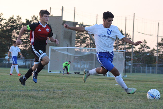 Soccer adds five wins, remains undefeated