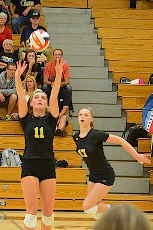 Girls volleyball team starts out strong