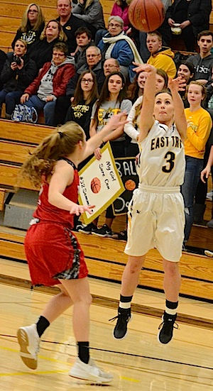 Girls battle to the end, wrap season on loss