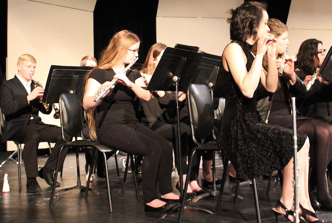 Students perform preview concert for NYC trip