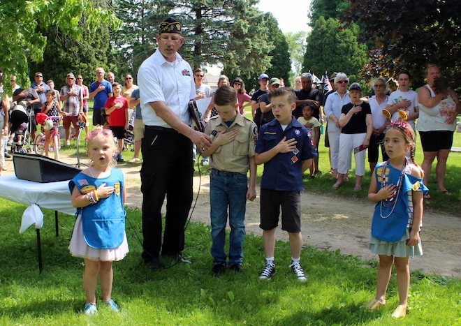 Ceremony honors the fallen