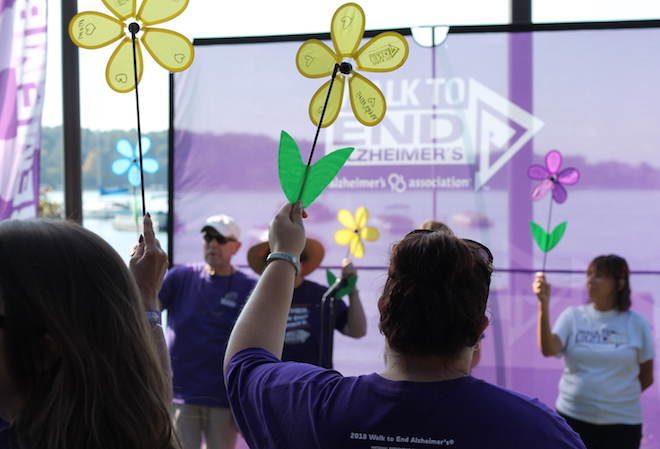 Hundreds participate in Walk To End Alzheimer's