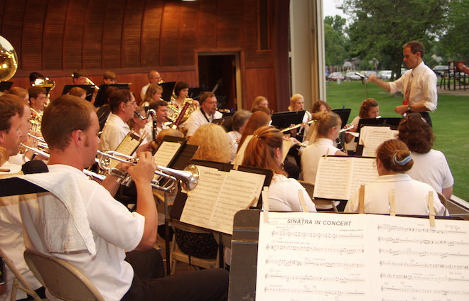 Holton Band moves concert