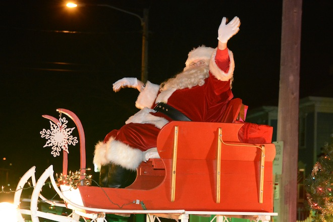 Santa and Mrs. Klaus return to East Troy