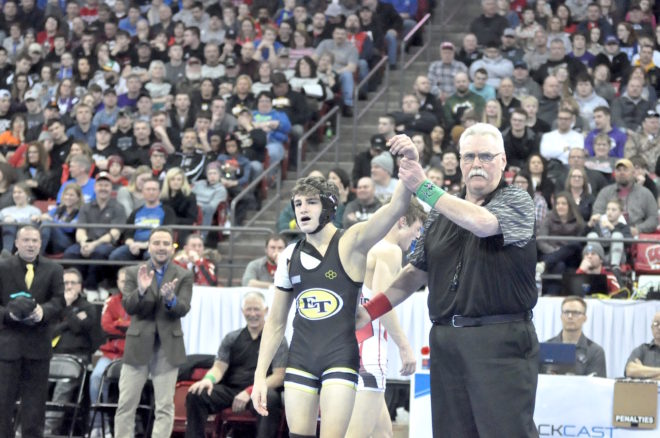 BREAKING: East Troy's Tommy Larson wins wrestling state championship with injured shoulder