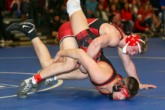 Whippets wrestler takes third to qualify for state