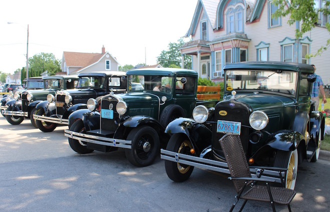Model A brings fashion, vehicles from yesterday